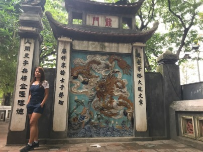 L'entrée du temple Ngoc Son